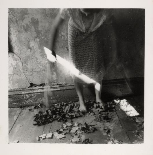 Untitled 1975-80 Francesca Woodman 1958-1981 ARTIST ROOMS Acquired jointly with the National Galleries of Scotland through The d'Offay Donation with assistance from the National Heritage Memorial Fund and the Art Fund 2008 http://www.tate.org.uk/art/work/AR00358